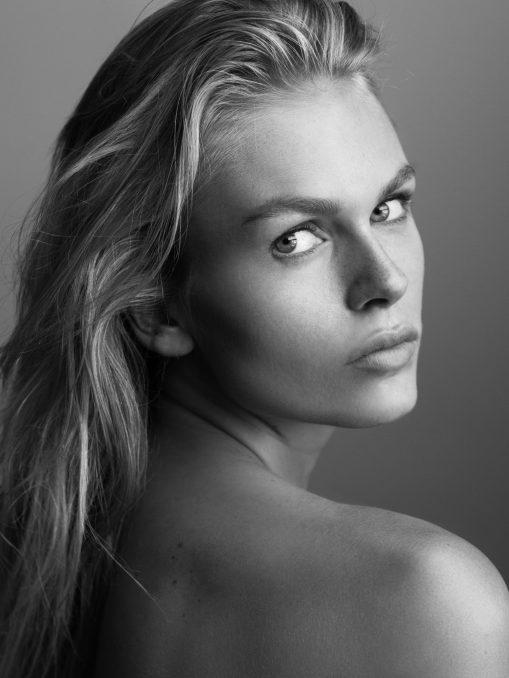 Models - Modeling Company - Skins Model Management - Fabienne Hagedorn
